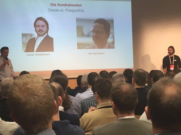Jan Karremans (Postgres) vs. Daniel Westermannn (Oracle)